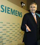<p>L'ad del gruppo tedesco Siemens Peter Loescher in una foto d'archivio. REUTERS/Alexandra Beier</p>
