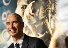 """<p>Il regista Roland Emmerich alla prima di """"10.000 A.C."""". REUTERS/Mario Anzuoni (UNITED STATES)</p>"""