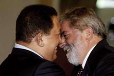 <p>Lula e Chávez garantem conclusão de acordos energéticos. Os presidentes do Brasil e da Venezuela asseguraram que todos os acordos energéticos envolvendo os dois países serão concluídos. 27 de março. Photo by Jamil Bittar</p>