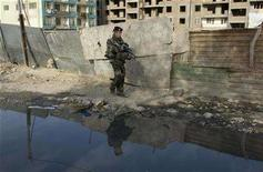 <p>A French soldier from NATO patrols in Kabul April 1, 2008. REUTERS/Ahmad Masood</p>