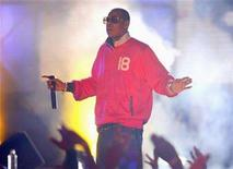 """<p>Rapper Jay-Z performs for """"Jimmy Kimmel Live"""" in Hollywood November 22, 2006. REUTERS/Max Morse</p>"""