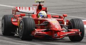 <p>O brasileiro Felipe Masssa, da Ferrari, no treino para o Grande Prêmio de Bahrain, que acontecerá no dia 6 de abril. Photo by Ahmed Jadallah</p>