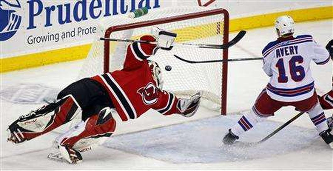 Rangers Continue Dominance Of Devils Penguins Rout Senators Reuters