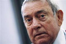 <p>Television news anchor Dan Rather speaks during an interview in New York, November 7, 2006. REUTERS/Keith Bedford</p>