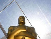 <p>An Oscar statue stands on the red carpet during preparations for the 80th annual Academy Awards in Hollywood February 23, 2008. Whoever is sworn in as the 44th president of the United States on January 20 won't have to worry about being upstaged by Oscar. REUTERS/Lucas Jackson</p>