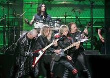 <p>I Judas Priest durante un concerto a Las Vegas. REUTERS/Steve Marcus</p>