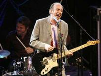<p>Mick Jones, former guitarist and vocalist of English punk rock band The Clash, performs with his new band Carbon/Silicon at the 2008 NME Awards USA at El Rey theatre in Los Angeles April 23, 2008. The awards are given out by New Musical Express, a British weekly music magazine. REUTERS/Mario Anzuoni</p>