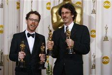 "<p>Directors Ethan (L) and Joel Coen hold the best director and best adapted screenplay Oscar awards for ""No Country For Old Men"" backstage at the 80th annual Academy Awards in Hollywood, February 24, 2008. REUTERS/Mike Blake</p>"