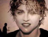 <p>Críticos reagem bem ao novo álbum de Madonna, 'Hard Candy'.  Como presente de despedida, o último álbum de Madonna para a gravadora Warner Brothers é especialmente generoso, a se acreditar nas primeiras reações dos críticos de música. 27 de abril. Photo by Fred Prouser</p>