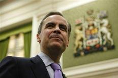 <p>Bank of Canada Governor Mark Carney waits to testify before the Commons finance committee on Parliament Hill in Ottawa April 30, 2008. REUTERS/Chris Wattie</p>