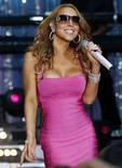 <p>Mariah Carey sul palco dell'ABC Good Morning America Summer Concert a Times Square a New York, il 25 aprile 2008. REUTERS/Mike Segar</p>