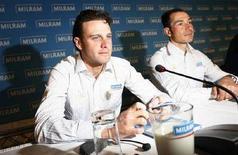 <p>I ciclisti della Milram Alessandro Petacchi (sinistra) ed Erik Zabel durante una conferenza stampa. REUTERS/Christian Charisius</p>