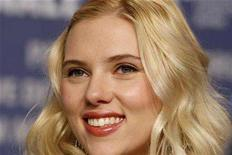 <p>Actress Scarlett Johansson attends a news conference to present her film 'The other Boleyn Girl' running at the 58th Berlinale International Film Festival in Berlin, February 15, 2008. REUTERS/Tobias Schwarz</p>