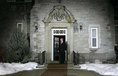 <p>Canada's Prime Minister Stephen Harper waits for the arrival of premiers before the start of the First Ministers meeting at 24 Sussex Drive, Harper's official residence, in Ottawa January 11, 2008. REUTERS/Chris Wattie</p>