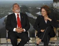 <p>Para Lula, Dilma é motivo de orgulho para o povo brasileiro. O presidente Luiz Inácio Lula da Silva elogiou a ministra da Casa Civil, Dilma Rousseff, por seu depoimento no Senado, na quarta-feira, e a considerou motivo de orgulho para o governo e para o povo brasileiro. 8 de maio. Photo by Stringer</p>