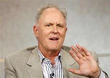 <p>John Lithgow gestures in Pasadena, California, July 21, 2006. REUTERS/Mario Anzuoni</p>