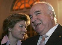 <p>Helmut Kohl e sua moglie Maike Richter a Berlino. REUTERS/Fabrizio Bensch/Files (GERMANY)</p>
