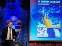 <p>Técnico da seleção da Suécia apresenta o a lista de jogadores convocados para a Eurocopa de 2008, em entrevista coletiva, nesta terça-feira. Photo by Scanpix Sweden</p>