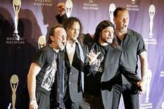 <p>Los miembros de Metallica durante su inducción al salón de la fama del Rock and Roll Hall en Nueva York. 13 Mar, 2006. Ozzy Osbourne, Metallica, Jonathan Davis de Korn, Serj Tankian, Hellyeah, Sevendust and Shadows Fall, entre otros, están agendados para el Ozzfest de este año, que se realizará el 9 de agosto en el Pizza Hut Park de Dallas, Texas. Entre las principales actuaciones se cuenta también Cavalera Conspiracy, Apocalyptica, In This Moment y un tributo de estrellas en memoria del fallecio guitarrista de Pantera 'Dimebag' Darrell Abbott. Photo by (C) BRENDAN MCDERMID / REUTERS/Reuters</p>