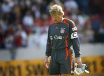 <p>Ex-melhor do mundo, goleiro Oliver Kahn encerra carreira. O goleiro alemão Oliver Kahn, do Bayern de Munique, depois de partida do Campeonato Alemão. 21 de abril de 2007. Photo by Kai Pfaffenbach</p>