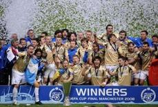 <p>Zenit teme desmanche de equipe após título da Uefa. O Zenit São Petesburgo, vencedor da Copa da UEFA, deve segurar seus melhores jogadores se quiser impressionar na próxima temporada da Liga dos Campeões. 14 de maio. Photo by Russell Cheyne</p>