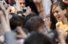 "<p>Actress Sarah Jessica Parker reacts as she arrives for the German premiere of ""Sex And The City: The Movie"" at a cinema in Berlin May 15, 2008. REUTERS/Fabrizio Bensch</p>"