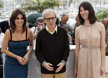 """<p>U.S. director Woody Allen (C) poses with cast members Penelope Cruz (L) and Rebecca Hall at a photocall for the film """"Vicky Cristina Barcelona"""" at the 61st Cannes Film Festival May 17, 2008. REUTERS/Jean-Paul Pelissier</p>"""