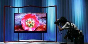 <p>Foto d'archivio di uno schermo Lcd. REUTERS/Michael Caronna (JAPAN)</p>