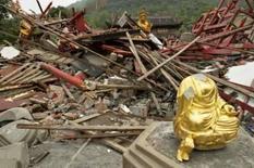 <p>Mortos e desaparecidos na China passam de 80 mil. O governo chinês elevou para mais de 80 mil o número de mortos e desaparecidos pelo terremoto da semana passada, o pior em várias décadas. Há temores de que epidemias, chuvas e tremores secundários provoquem mais sofrimento. 22 de maio. Photo by Aly Song</p>