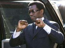 <p>Actor Wesley Snipes pumps his fists to his fans while leaving the federal court house in Ocala, Florida April 24, 2008. Snipes was granted bail on Thursday pending an appeal of his conviction and sentencing last month to three years in prison for failing to file income tax returns for 1999 through 2001. REUTERS/Scott Audette</p>