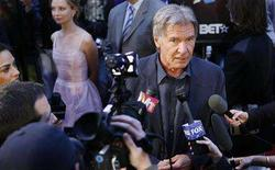 "<p>Cast member Harrison Ford is interviewed as he arrives for a screening of the film ""Indiana Jones and the Kingdom of the Crystal Skull"" by U.S. director Steven Spielberg in New York May 20, 2008. REUTERS/Lucas Jackson</p>"