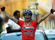 <p>Una immagine d'archivio del ciclista italiano Emanuele Sella. REUTERS/Stefano Rellandini SR/DL</p>