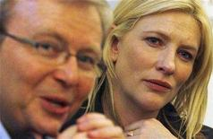"""<p>Actress Cate Blanchett and Australia's Prime Minister Kevin Rudd attend a creative session at """"Australia 2020 Summit"""" in Canberra April 19, 2008. REUTERS/Daniel Munoz</p>"""