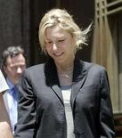 <p>Academy Award winning actress Tatum O'Neal departs from the criminal court after being arrested on drug related charges in New York June 2, 2008. REUTERS/Chip East</p>