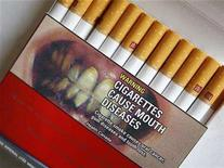 <p>A pack of Canadian cigarettes with a warning label is seen in Montreal, June 28, 2007. REUTERS/Shaun Best</p>