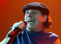 <p>Australian rock group AC/DC's lead singer Brian Johnson performs during the band's concert at the Hammersmith Apollo, London, October 21, 2003. REUTERS/Toby Melville</p>
