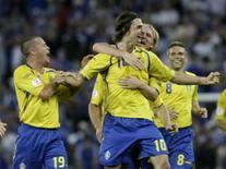 <p>Suécia vence atual campeã Grécia por 2 x 0 na Eurocopa. A campeã européia Grécia iniciou sua defesa do título conquistado na condição de zebra há quatro anos com uma derrota por 2 x 0 para a Suécia. 10 de junho. Photo by Leonhard Foeger</p>