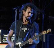 <p>Eddie Vedder, lead singer of Pearl Jam, opens with his band for U2 at Aloha Stadium in Honolulu, Hawaii, December 9, 2006. REUTERS/Lucy Pemoni</p>