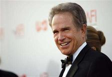 <p>Actor Warren Beatty arrives at the taping of the American Film Institute's 36th Life Achievement Award gala honoring Beatty at the Kodak theatre in Hollywood, California June 12, 2008. REUTERS/Mario Anzuoni</p>