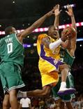 <p>Boston Celtics derrotou o Los Angeles Lakers por 97 a 91 em 12 de junho de 2008     REUTERS. Photo by Jeff Haynes</p>