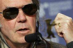 <p>Neil Young addresses a news conference to present the film 'CSNY: Deja Vu' running at the 58th Berlinale International Film Festival in Berlin February 8, 2008. REUTERS/Hannibal Hanschke</p>