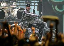 <p>Judas Priest singer Rob Halford performs during the VH1 Rock Honors concert at the Mandalay Bay Events Center in Las Vegas, Nevada May 25, 2006. REUTERS/Steve Marcus</p>