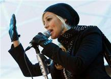 <p>Singer Faith Hill performs at an outdoor concert on the NBC Today show at the Rockefeller Center in New York November 19, 2007. REUTERS/Mike Segar</p>