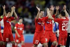 <p>Rússia bate Suécia e se classifica; Espanha vence a Grécia. A Rússia teve sua melhor atuação até agora na Euro 2008 e garantiu a vaga nas quartas-de-final com uma vitória por 2 x 0 sobre a Suécia. A adversária da seleção russa na próxima fase será a Holanda. 18 de junho. Photo by Miguel Vidal</p>