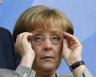 <p>Канцлер Германии Ангела Меркель перед полфинальным матчем чемпионата Европы 2008 года Германия - Турция в Базеле 25 июня 2008 года. Германия обеспокоена спором между Грузией и Россией по поводу самопровозглашенной республики Абхазии и намерена обсудить этот вопрос на саммите ЕС-Россия, сказала канцлер Германии Ангела Меркель. (REUTERS/Jerry Lampen)</p>