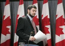 <p>Maher Arar arrives for a news conference in Ottawa December 12, 2006. REUTERS/Chris Wattie</p>