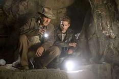 <p>Fotografía promocional de la cinta 'Indiana Jones and the Kingdom of the Crystal Skull',23 abr 2008.Indy lo consiguió. El recuento final de la taquilla del fin de semana para 'Indiana Jones and the Kingdom of the Crystal Skull' muestra que la cinta de Steven Spielberg superó el domingo la marca de 300 millones de dólares en Estados Unidos. Photo by Reuters (Handout)</p>