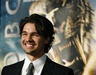 """<p>Cast member Steven Strait poses at the premiere of """"10,000 B.C."""" at the Grauman's Chinese theatre in Hollywood, California March 5, 2008. REUTERS/Mario Anzuoni</p>"""