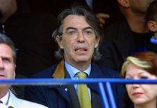 <p>Massimo Moratti in tribuna a San Siro durante una partita dell'Inter. REUTERS/Giampiero Sposito</p>