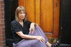 <p>Suze Rotolo posa para fotos navila de Greenwich, em Nova York, 2 de julho de 2008. Ela lançou um livro sobre a vida em Nova York e sua relação com Bob Dylan. Photo by Lucas Jackson</p>